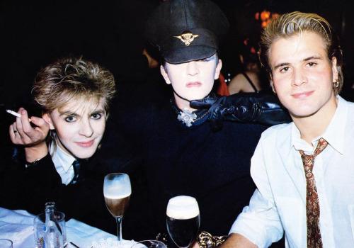 Nick Rhodes dei Duran Duran, Steve Strange e Steve Norman ai tempi del Blitz.