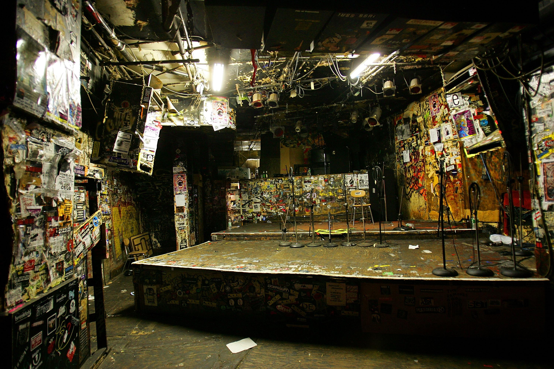 Il glorioso palco del CBGB.