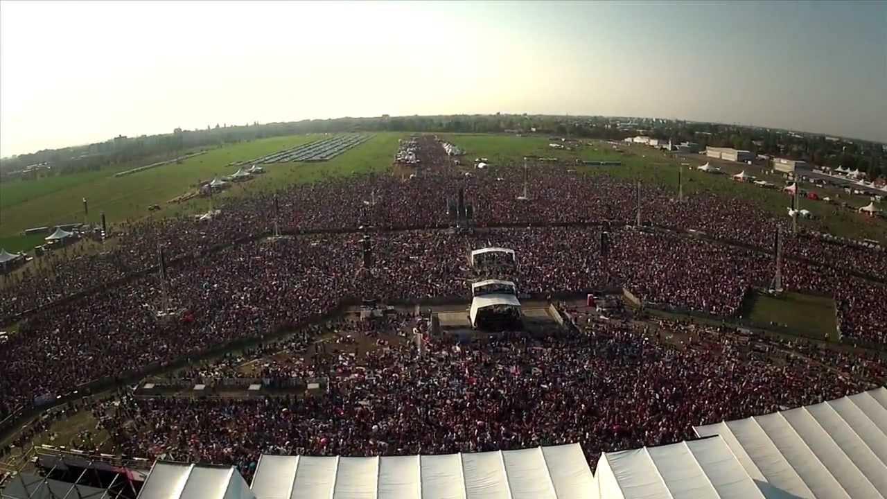 Il concerto di beneficenza Italia Loves Emilia, nel 2012. Circa 150mila persone